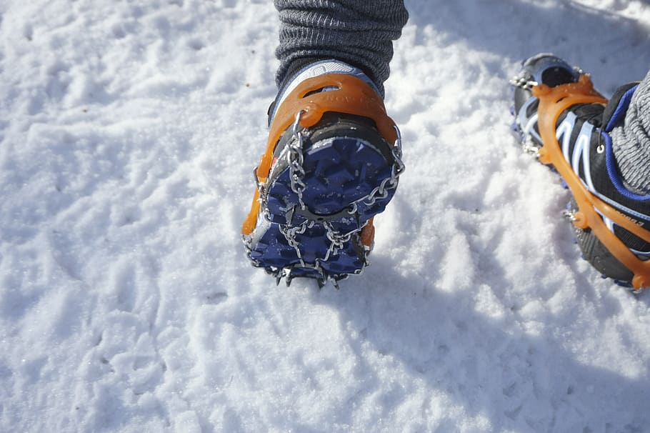 How to waterproof snow boots