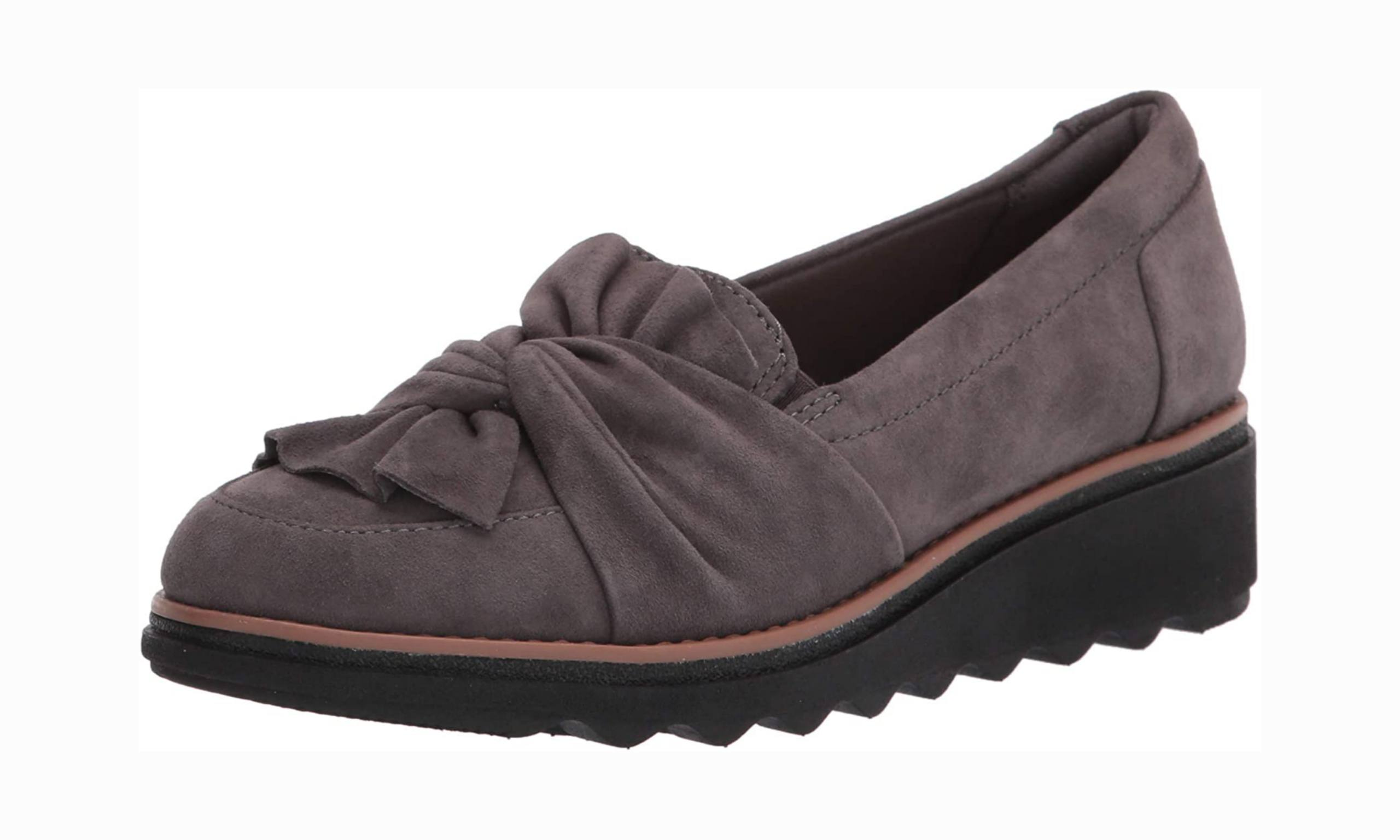 Women's office shoe with arch support
