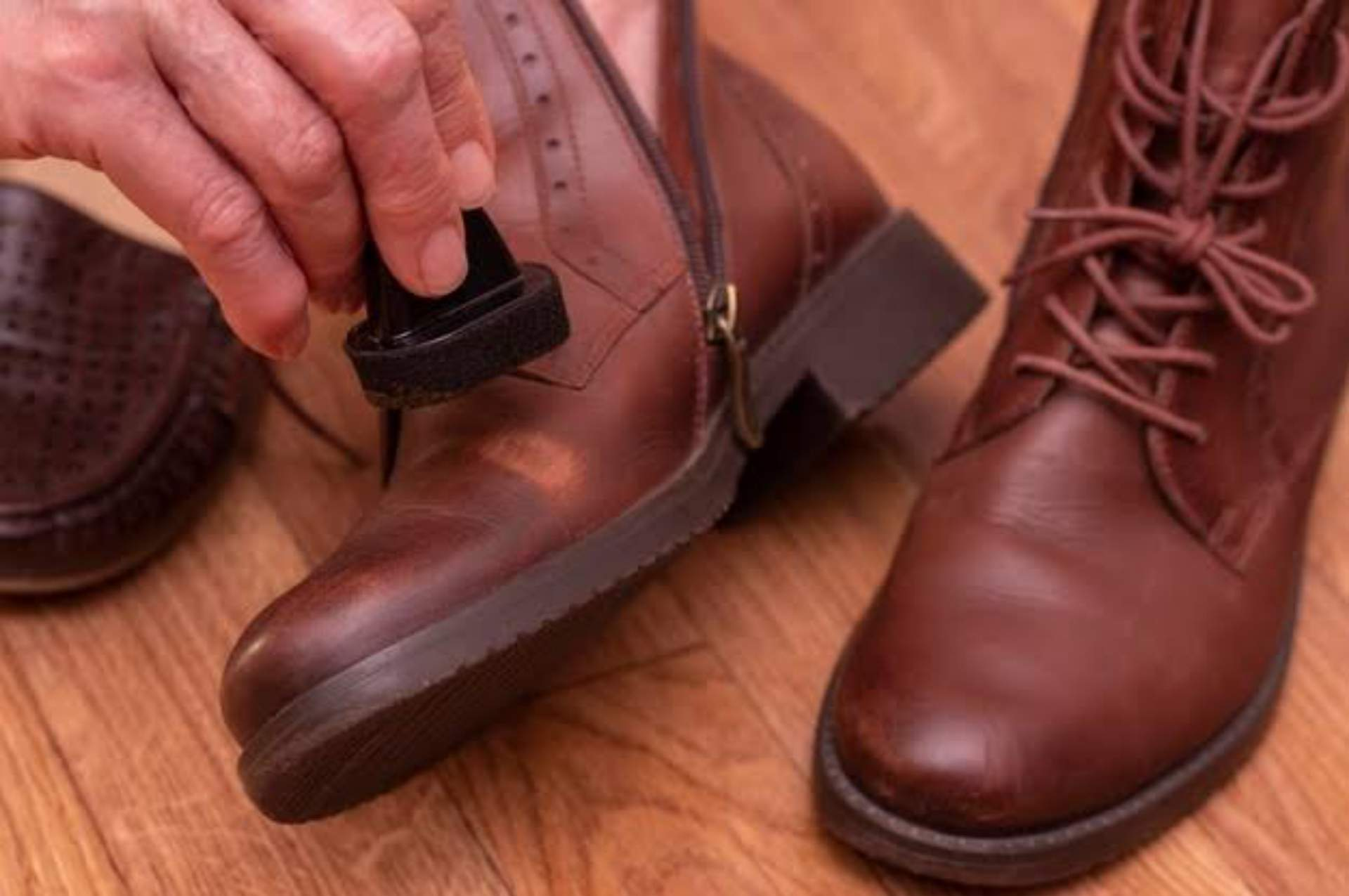 Difference between shoe polish and shoe cream