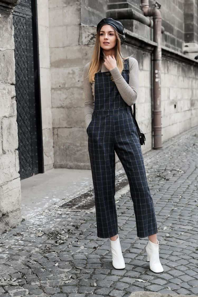 Boot as a type of sandals to wear with a jumpsuit
